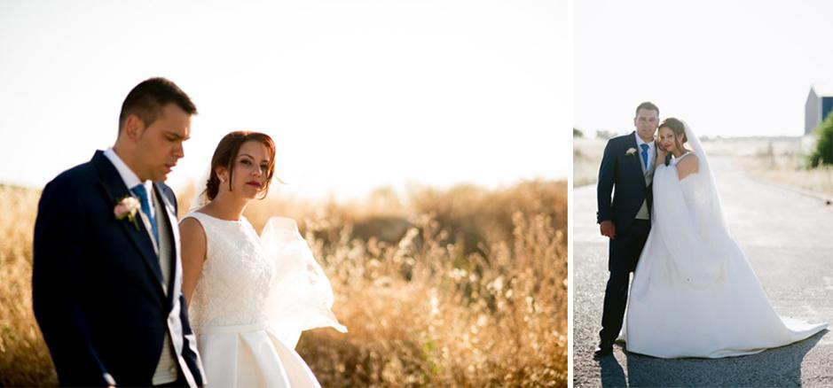 Recien casados paseando